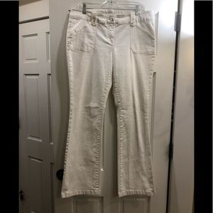 New York & Co. 12 white jeans.